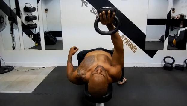 kettlebell-chest-exercises