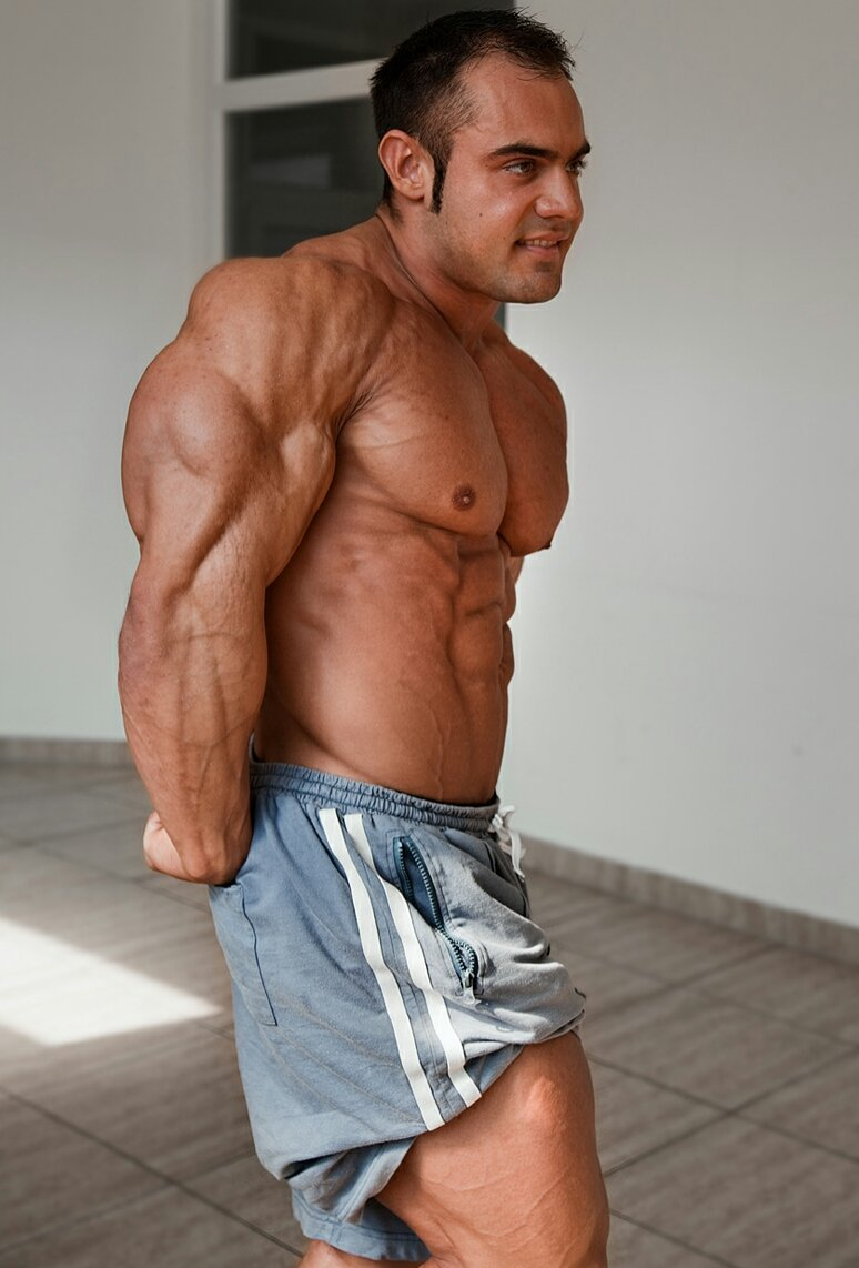 What are the best tricep exercises with dumbbells