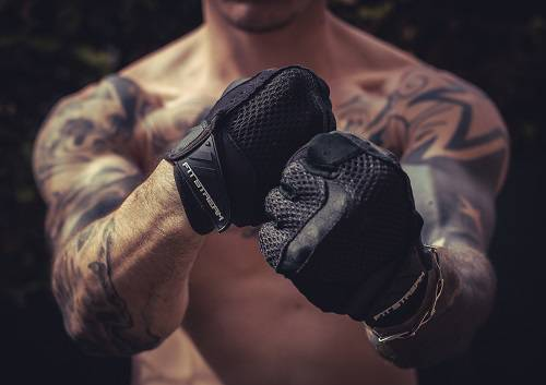 workout-gloves